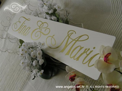 auto tablica za vjencanje s imenima zlatna slova