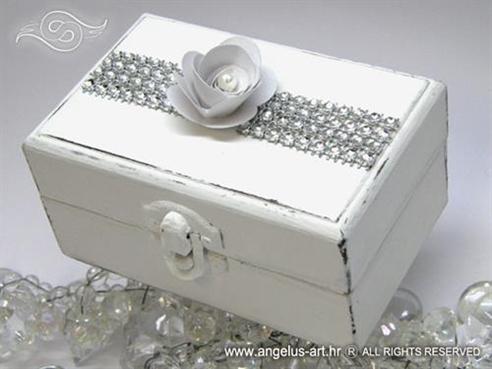 bijela drvena skrinjica za vjencano prstenje white shine