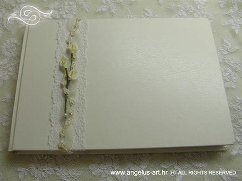 bijela knjiga dojmova za vjenčanje s bijelim kalama