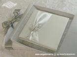 bijela knjigica za prstenje s leptirom