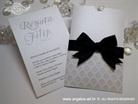 bijela pozivnica za vjenčanje na izvlačenje s crnom mašnom