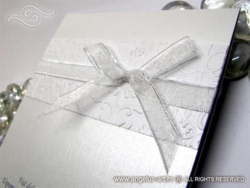 bijela zahvalnica s 3D reljefom i mašnicom