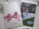 bijela zahvalnica s rozom satenskom mašnom i 3D čipkom