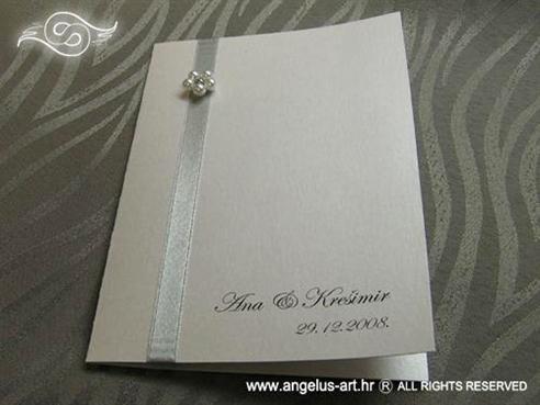 bijela zahvalnica za vjenčanje sa srebrnom trakom i cvjetićem