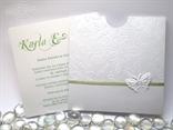 bijelo zelena pozivnica za vjenčanje s 3D leptirima