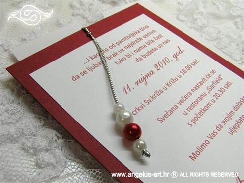 bordo crvena pozivnica s perlicama na izvlačenje