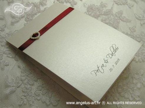 bordo crvena zahvalnica za vjenčanje sa srcem