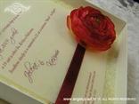 cestitka u kutiji povodom godisnjice braka ili vjencanja