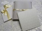 Ekskluzivna čestitka - White Flowers