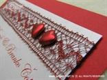 crvena pozivnica za vjenčanje detalj srca