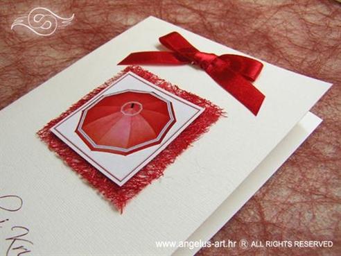crvena zahvalnica za vjenčanje sa sisalom i kišobranom