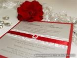 crveno srebrna pozivnica sa satenskom trakom i bijelim tiskom