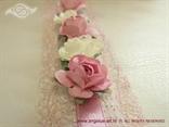 detalj knjige utisaka krem i roze ruže