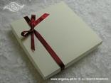 elegantna pozivnica u kutiji s ružom i mrežom sisala