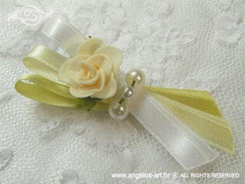 kitica ili rever za vjenčanje krem šampanj s ružom i perlama