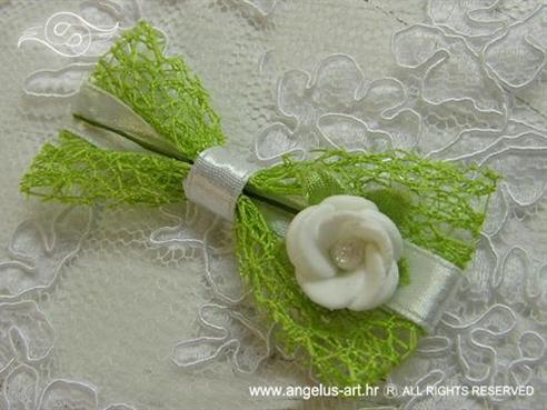 kitica za rever zeleno bijela s ružom