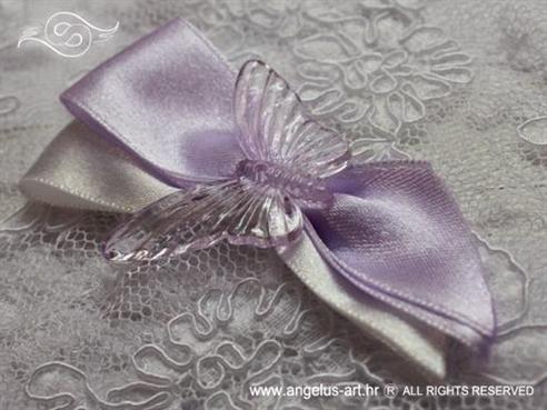 kitica za vjenčanje lila bijela s lila leptirom