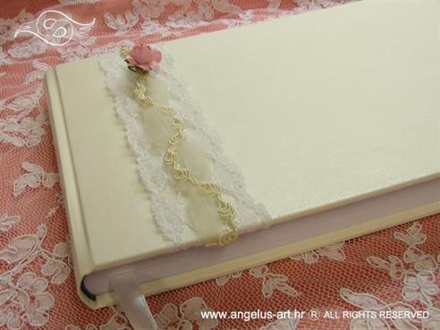 knjiga gostiju bijela s rozom ružom i čipkom