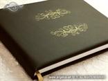 knjiga gostiju smeđa s ornamentima