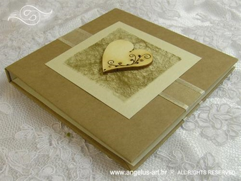 knjiga kao jastučić za prstenje natural srce