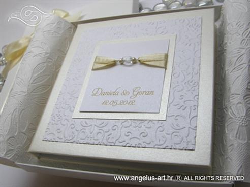 knjiga za prstenje krem bijela s mašnicama i perlicama