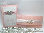 komplet pozivnica i zahvalnica s točkicama i leptirom, u rozoj boji