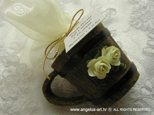 konfet za vjenčanje bukar s dvije ruže i konfetnim bombonima