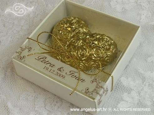konfet zlatno srce magnet s ružama u kutijici