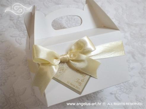 krem bijela kutija za kolače sa šampanj mašnom i kartončićem