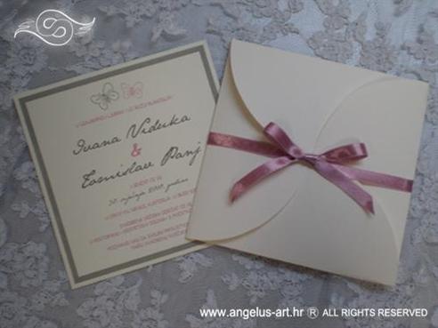krem roza pozivnica za vjenčanje u omotnici na rasklapanje