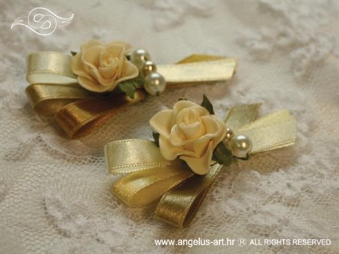 krem zlatna kitica za rever s ružom i perlicama