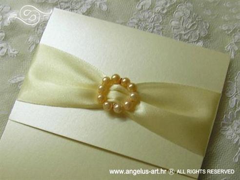krem zlatna pozivnica za vjenčanje s perlicama