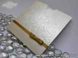 krem zlatna pozivnica za vjenčanje sa zlatnom mašnicom
