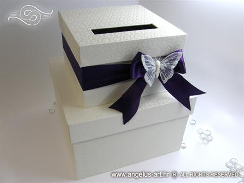 kutija za kuverte s ljubicastom masnom i bijelim leptirom