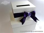 kutija za kuverte s ljubicastom masnom i ruzom