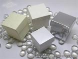 Bijela kutijica sa uzorkom