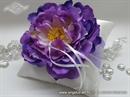 Jastučić sa lila cvijetom