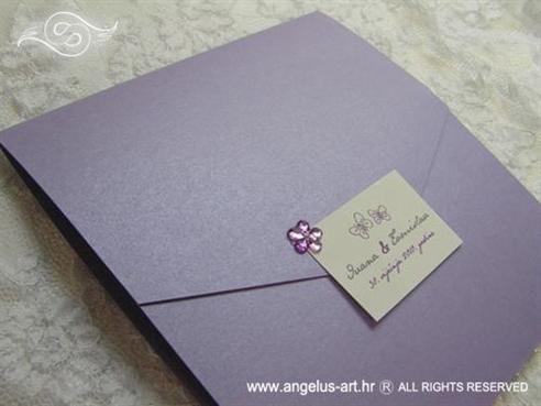 ljubičasta pozivnica s cirkonom cvijetom