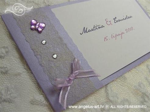 ljubičasta pozivnica s leptirom i cirkonima
