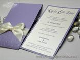 ljubičasta pozivnica za vjenčanje s ivory mašnicom