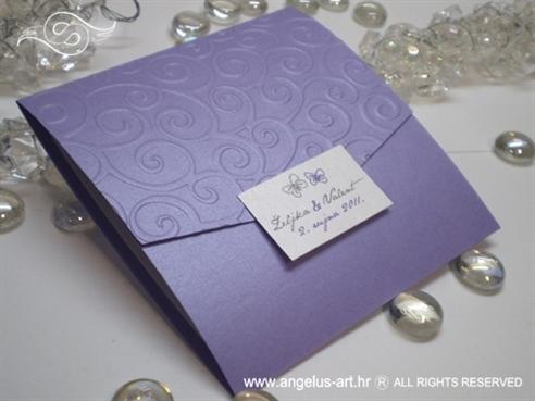 ljubičasta pozivnica za vjenčanje s leptirima i 3D tiskom