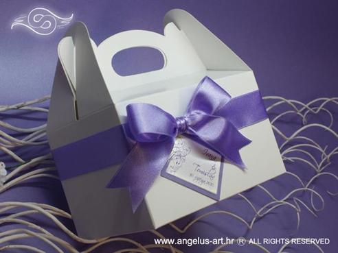 ljubičasto bijela kutija za kolače s mašnom i kartončićem