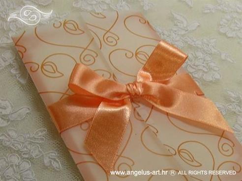 narančasta pozivnica s mašnom i srcima