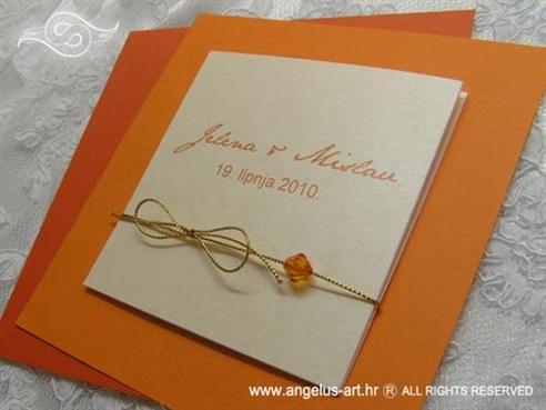 narančasta pozivnica za vjenčanje s mašnicom i perlicom