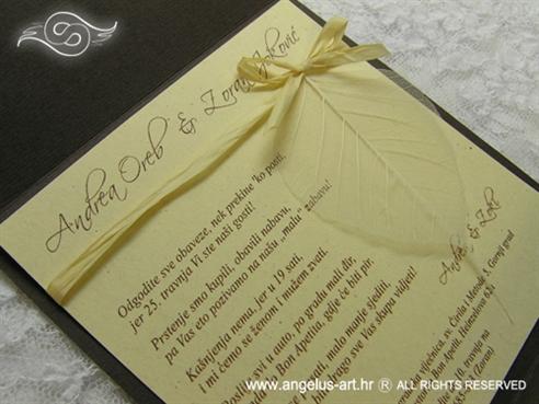 natural pozivnica za vjenčanje sa strukturom drveta