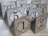 oznaka stola za vjenčanje srebrna damask