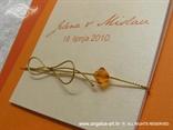 pozivnica narančasta breskva s perlicom i zlatnom mašnicom