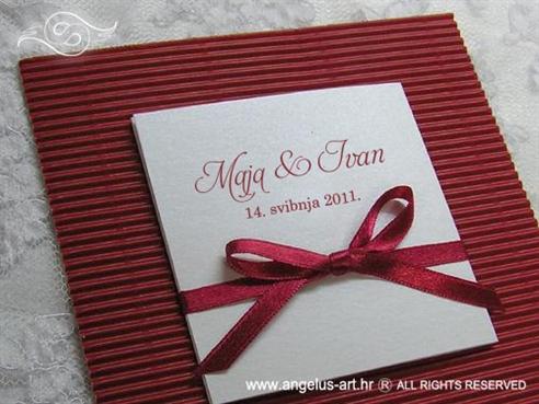pozivnica za vjenčanje na rasklapanje crvena bordo s mašnicom