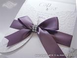 pozivnica za vjencanje u omotnici s ljubicastom satenskom masnom
