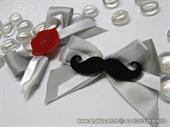 Plexy Mustache boutonniere